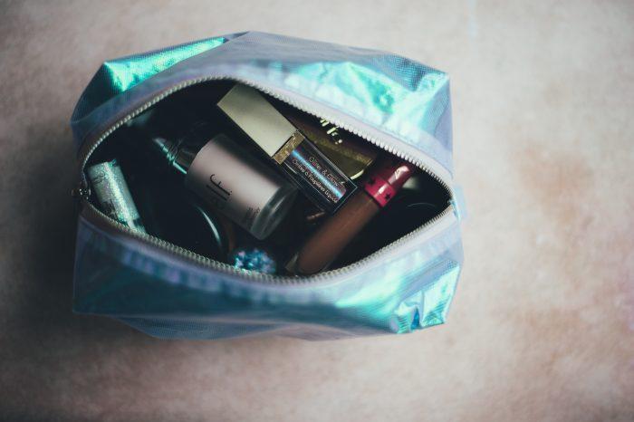 travel makeup kit e1535816256625