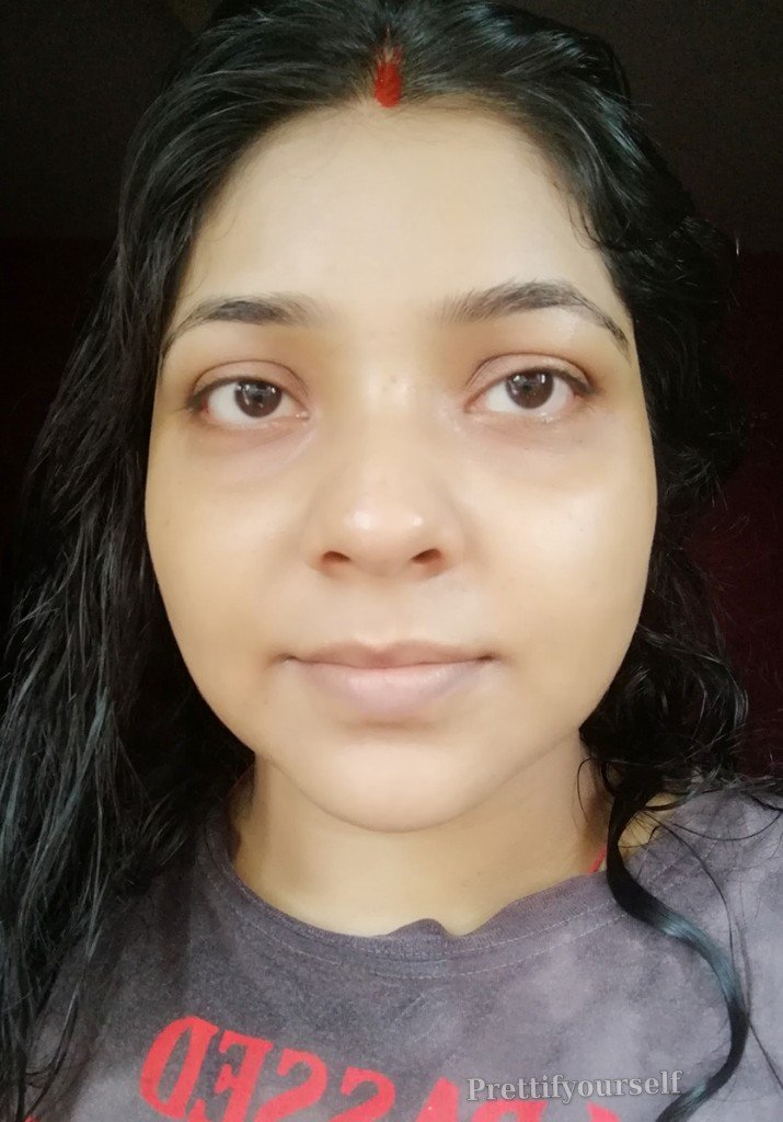 ponds sunscreen is applying on my bare face 1