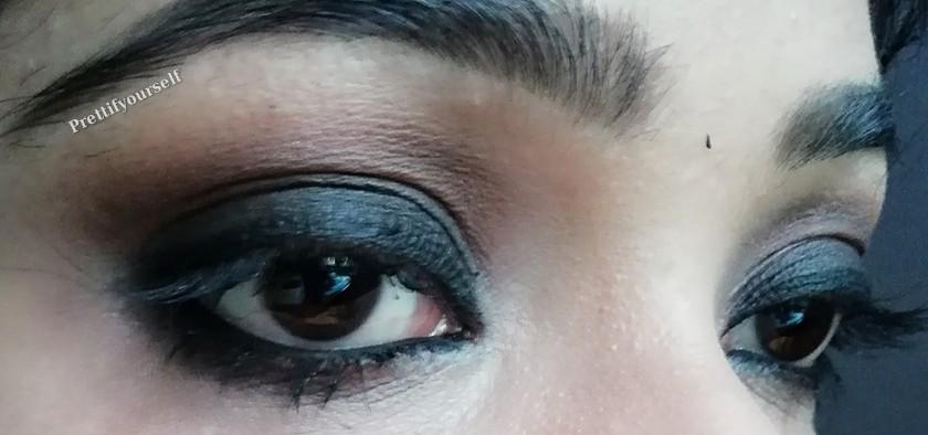 smokey eyes with kajal