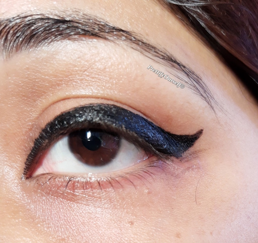 eyeliner look with nykaa wing in a blink