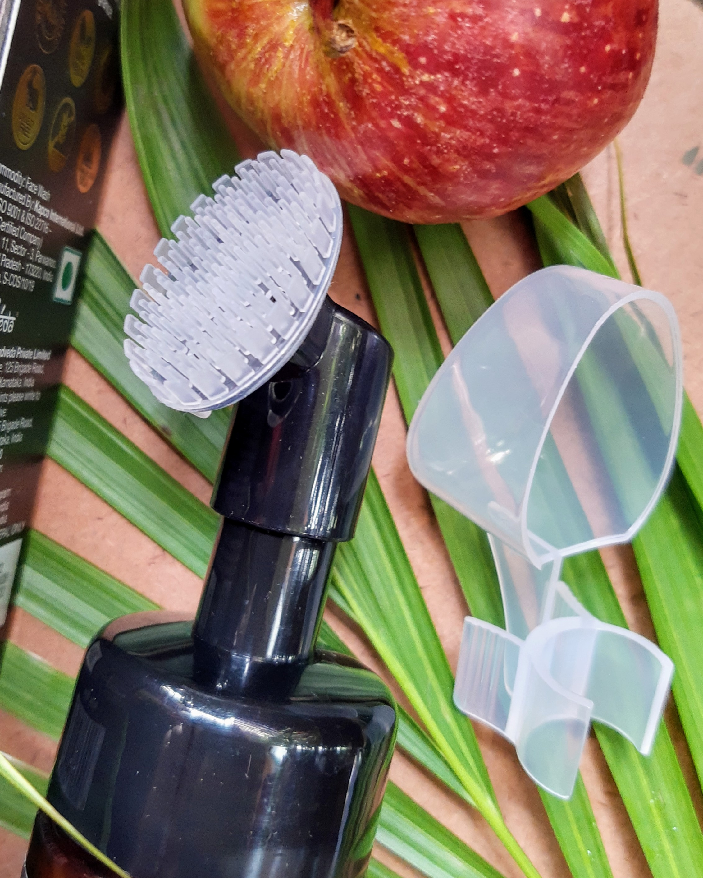 packaing of WOW Apple Cider Vinegar Foaming Face Wash with the built-in brush