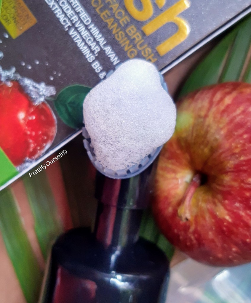 texture of WOW Apple Cider Vinegar Foaming Face Wash with the built-in brush