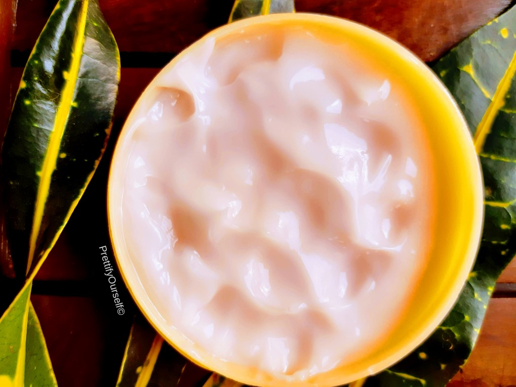 texture of lakme peach milk ultra light gel moisturizer